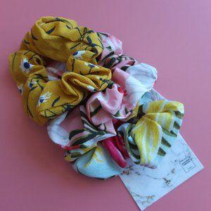 Floral Scrunchie - On Copacabana